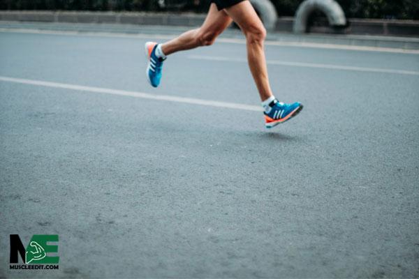 مقایسه تمرین ناشتا و غیر ناشتا بر عملکرد، سوخت و ساز، کاهش وزن و ترکیب بدن